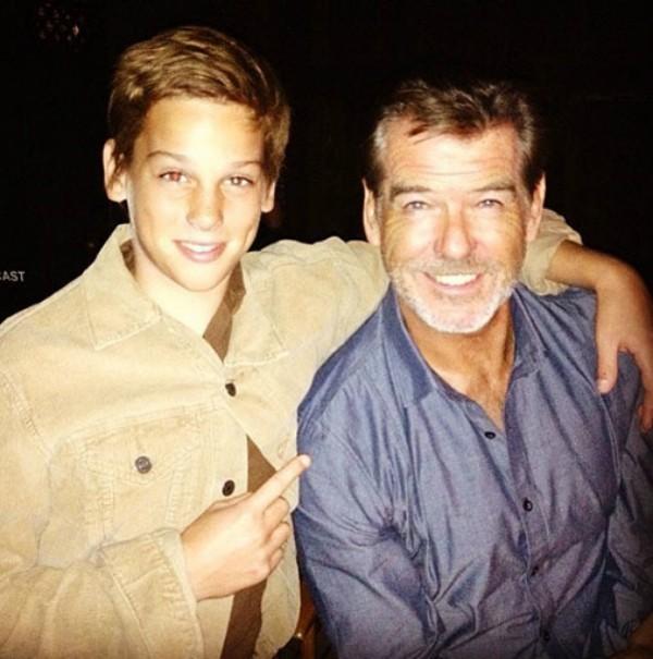 Pierce Brosnan e seu filho, Paris (Foto: Instagram)
