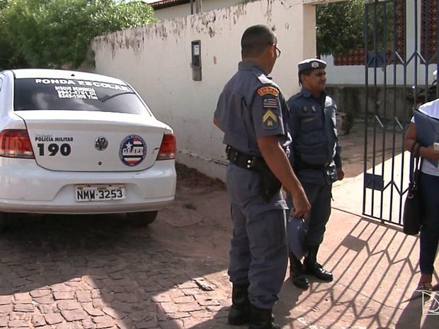 Polícia Militar também está adesenvolvendo ações de combate a violência na escola em Caxias (Foto: Reprodução/TV Mirante)
