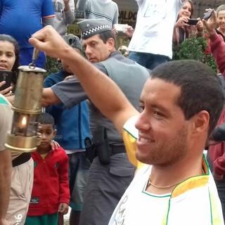 Mineirinho é homenageado em Guarujá (Foto: Lucas Musetti)
