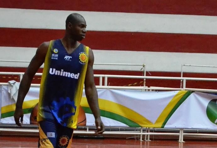 Alex Oliveira São José Basquete (Foto: Arthur Costa/GloboEsporte.com)