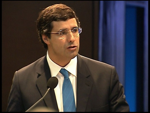 STF determina que banqueiro  André Esteves e chefe de gabinete  Diogo Ferreira sigam presos (Foto: GloboNews)