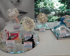 Buquês de broche são a última moda para as noivas! Artesã ensina a fazer vários modelos diferentes (Foto: Mais Você/TV Globo)