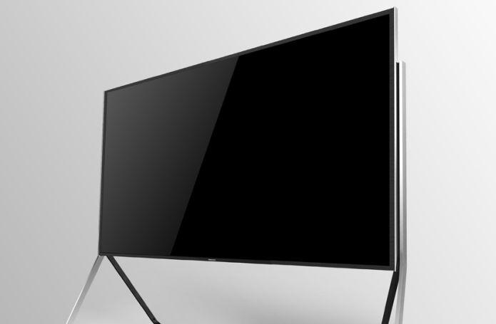 Televisão tem 78 polegadas e pode ficar curva (Foto: Divulgação)
