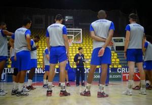 Mogi sub-21 em treino para a semifinal contra o Sesi-SP (Foto: Juliana Kageyama)