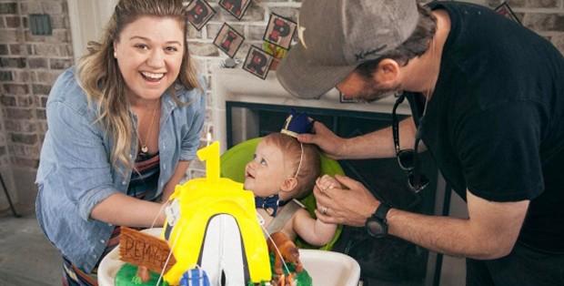 Kelly Clarkson comemora aniversário com filho (Foto: Reprodução/Instagram)