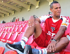 Luis Fabiano entrevista São Paulo (Foto: Diogo Venturelli)