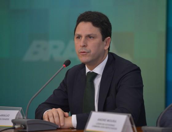 O ministro das Cidades, Bruno Araújo (Foto: José Cruz/Agência Brasil)