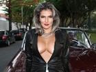Ex-BBB Fani usa look ousado inspirado em Kim Kardashian em clipe