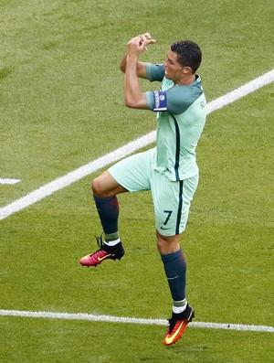 97fca27eff Cristiano Ronaldo Nani João Mario Portugal Hungria (Foto  Max Rossi    Reuters)