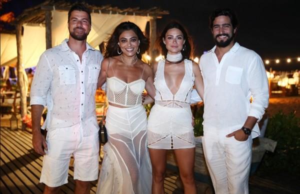 Carlos Eduardo Baptista, Juliana Paes, Thaila Ayala e Renato_Goes: virada em Jericoacoara, no Ceará (Foto: Divulgação)