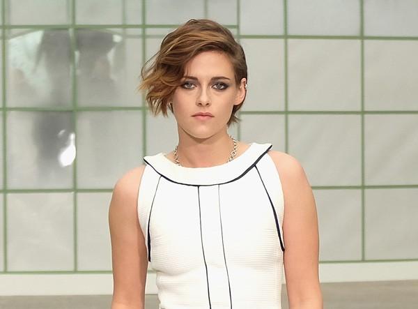 Kristen Stewart resolveu sair do armário para passar uma mensagem positiva de aceitação (Foto: Getty Images)