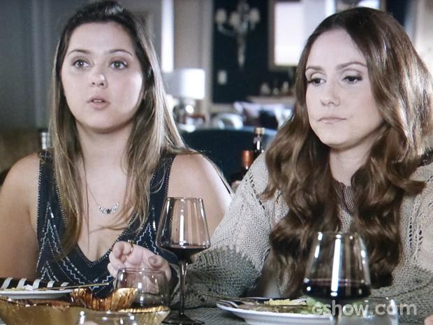 Bárbara fica sem reação ao ouvir os despautérios da mãe (Foto: Em Família/TV Globo)