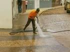 Moradores contabilizam prejuízos após temporal que inundou Guaxupé