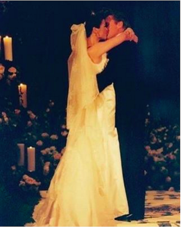 Catherine Zeta-Jones no dia de seu casamento com Michael Douglas (Foto: Instagram)