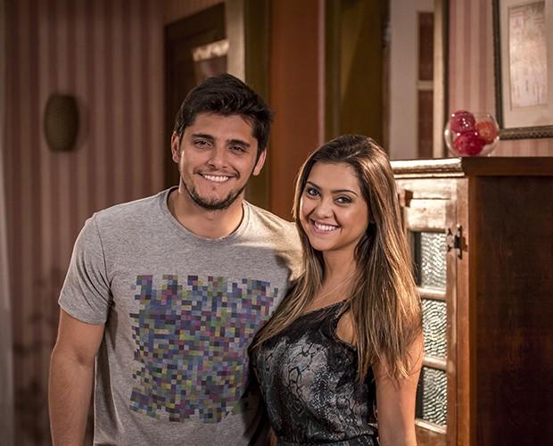 Polliana contracenou com o ator Bruno Gissoni em novela (Foto: Paulo Belote / TV Globo)