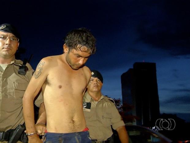 Suspeito de matar a mulher disse que agiu em legítima defesa (Foto: Reprodução/TV Anhanguera)