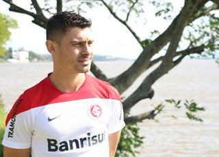 ALex Inter entrevista CT Parque Gigante (Foto: Eduardo Deconto/GloboEsporte.com)