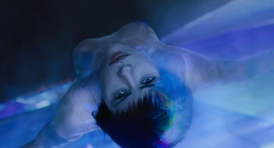 Scarlett como Major, mulher cibernética que tem a habilidade de entrar na mente das pessoas  (Foto: Reprodução)