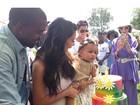 Kim Kardashian e Kanye West planejam segundo filho, diz jornal
