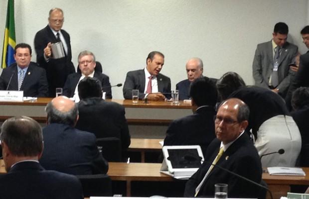 Parlamentares em sessão da CPI mista da Petrobras  (Foto: Priscilla Mendes / G1)