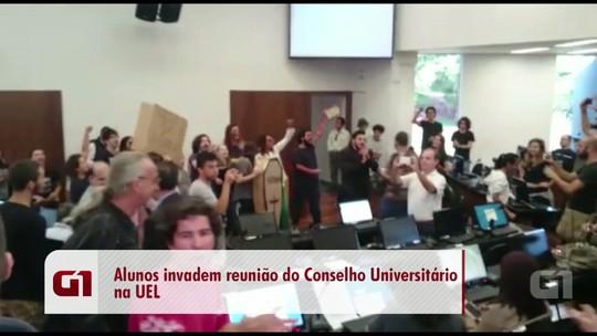 Estudantes interrompem reunião do Conselho Universitário da UEL