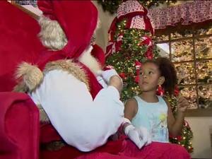 Papai Noel aprendeu libras para façar com crianças surdas  (Foto: Reprodução/TV Vanguarda)