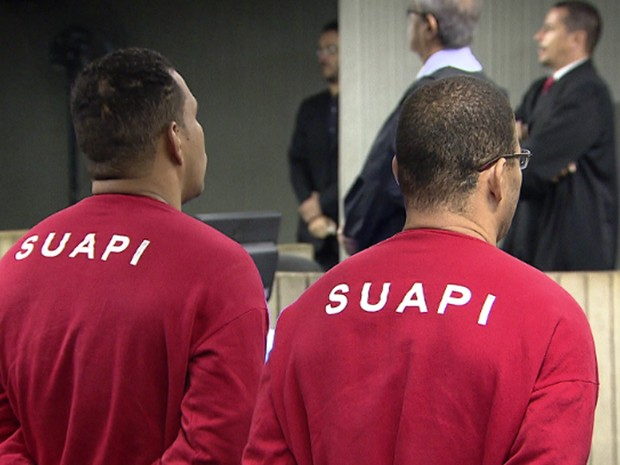 Integrantes da Galoucura chegam ao Fórum Lafayette para ser julgados (Foto: Divulgação / TV Globo)