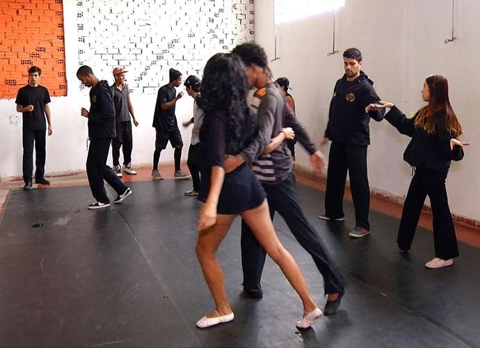 Veja os bastidores de uma seletiva de balé (Foto: Plugue)