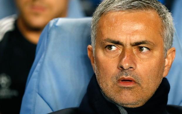 José Mourinho jogo Chelsea contra Basel (Foto: AP)