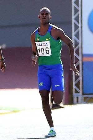 Vitor Hugo bate recorde juvenil brasileiro dos 100m rasos (Foto: Wagner Carmo/CBAt)