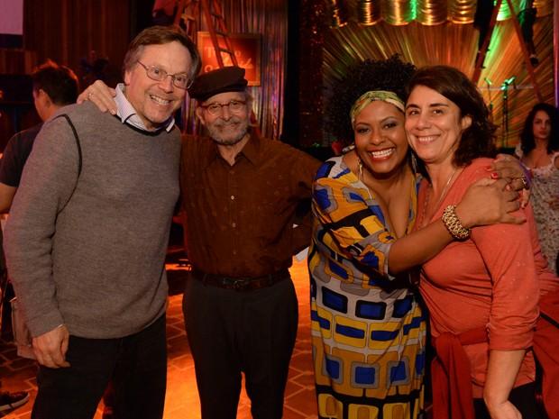 Fernando Meirelles e Gisele Barroco com os atores Goulart de Andrade e Bibba Chuqui, (Foto: Zé Paulo Cardeal / TV Globo)