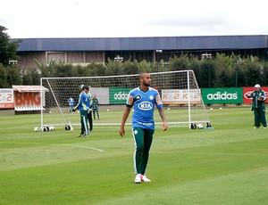Wesley no treino do Palmeiras (Foto: Daniel Romeu / Globoesporte.com)