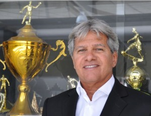 Arthur Bernardes é anunciado como o novo técnico do Atlético-PR (Foto: Tiago Santos/Site Oficial do Atlético-PR)