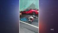 Carreta tomba em cima de carro e deixa mortos em acidente na BR-470, em Pouso Redondo