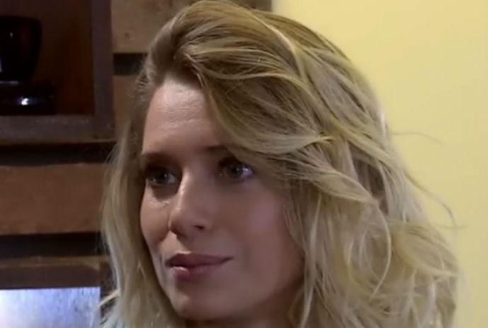 Letícia Spiller acompanhou caracterização de fã  (Foto: Vídeo Show/TVGlobo)
