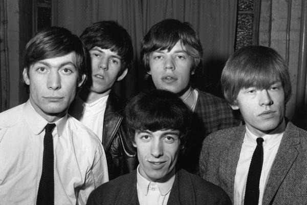 Os membros originais do Rolling Stones em uma foto de 1963 (Foto: Getty Images)