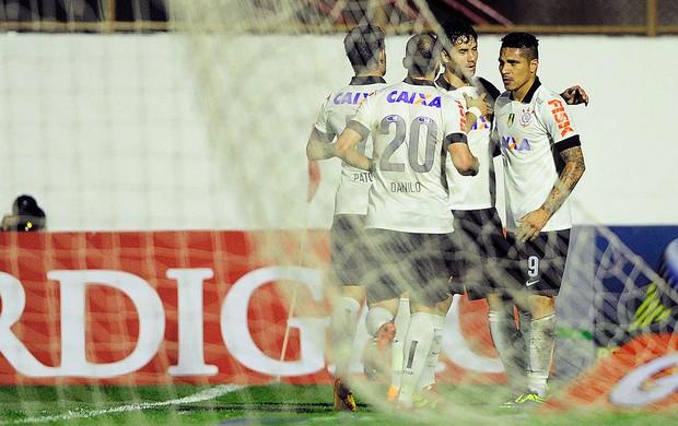Guerrero comemoração Corinthians contra Bahia (Foto: Marcos Ribolli / Globoesporte.com)