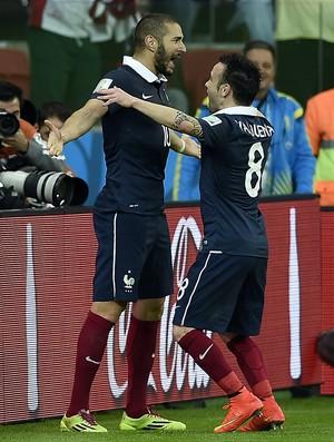 Benzema Valbuena França (Foto: AFP)
