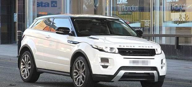 Balotelli carro novo Land Rover (Foto: Reprodução)