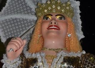 Boneca atraiu quase 25.00 foliões em 2013. (Foto: Divulgação/ Prefeitura Municipal de Catende)