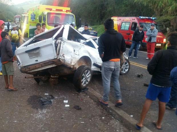 No carro estavam quatro pessoas (Foto: PRF/ Digulgação)