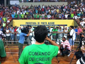 Assembleia Rodoviários Porto Alegre (Foto: Estêvão Pires/G1)
