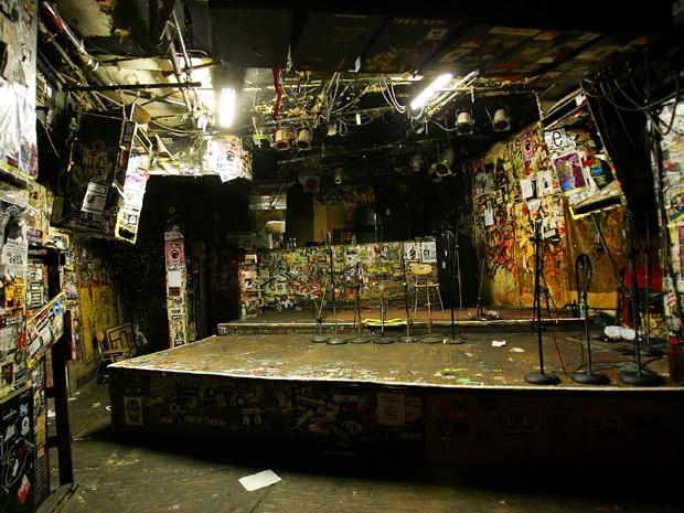 Palco do lendário clube CBGB, em Nova York (Foto: Scott Gries/AFP)