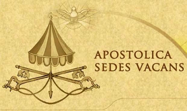 Brasão anterior simbolizava a Sé Vacante, desde a renúncia de Bento XVI (Foto: Reprodução)