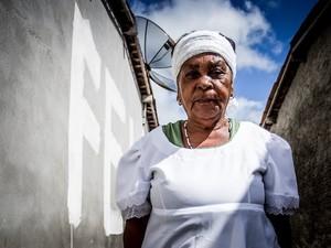 Maria Almerinda diz que benzedeiras são usadas por Deus como instrumento de cura (Foto: Jonathan Lins/G1)