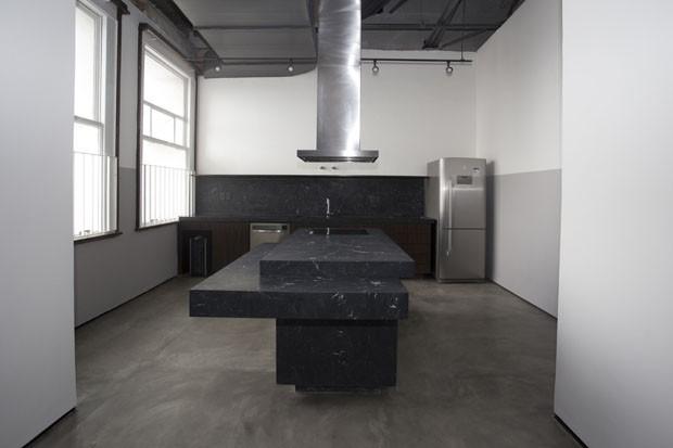 Hospede-se em um loft de 335 m² em um dos principais mirantes de SP (Foto: Renato Suzuki/ Divulgação)