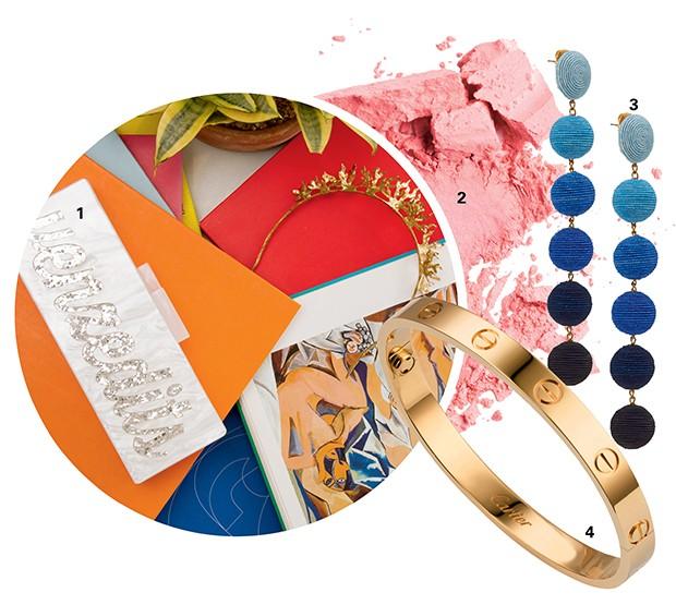 """""""Gosto do hi-lo e de designers não tão conhecidos"""", conta Amber. """"Johanna Ortiz  e Rosie Assoulin estão entre as minhas favoritas.""""  1. Bolsa, Clutch Hitz no Etsy, R$ 580; 2. Blush, Make Up Forever, R$ 145;  3. Brincos, Rebecca de Ravenel  no Moda Operandi, US$ 345;  4. Pulseira, Cartier, R$ 17.200 (Foto: .)"""
