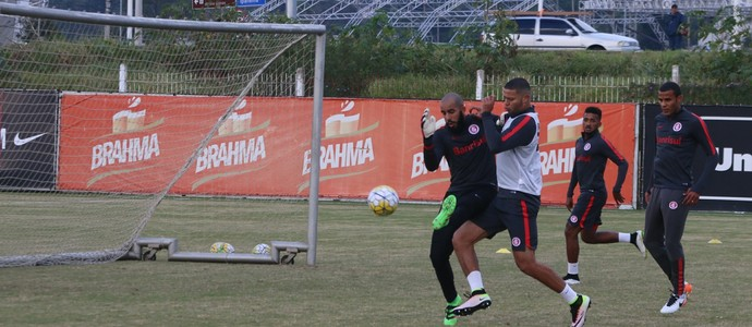 Danilo Fernandes Bruno Baio Ernando Artur Inter (Foto: Tomás Hammes / GloboEsporte.com)