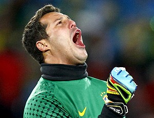 Julio Cesar comemora gol brasil coreia do norte (Foto: Reuters)