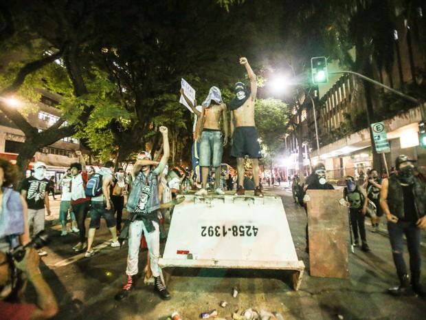 Protesto de estudantes contra a reorganização escolar, nesta quarta, 9, no Centro de São Paulo (Foto: Tiago Queiroz/Estadão Conteúdo)